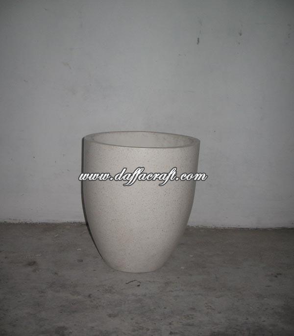 Vase J